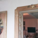 Faux-bois et motifs inspirés du tableau voisin.