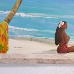 Jolie tahitienne  et son paréo