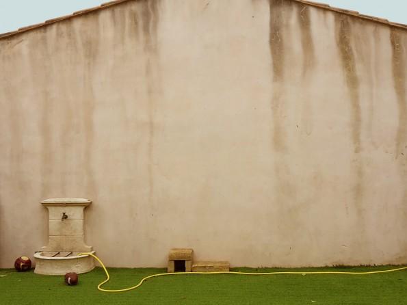 comment habiller un vieux mur exterieur mur pierres sches. Black Bedroom Furniture Sets. Home Design Ideas